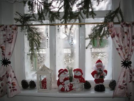 Новогодняя композиция на окна своими руками