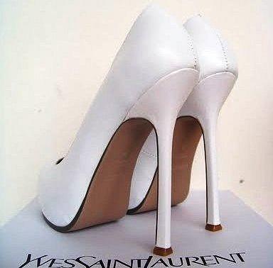 Будь модной! Белые туфли москва. Модная одежда