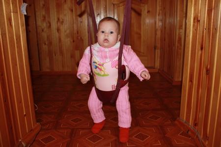 Как сажать ребенка в 5 месяцев 80