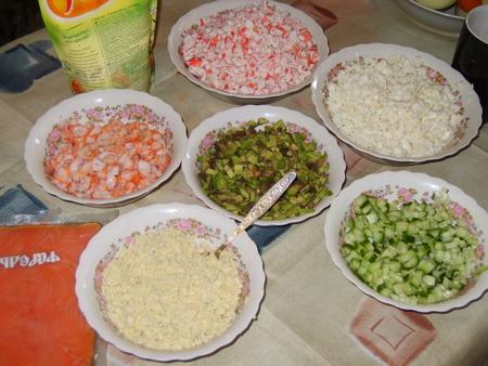 Салат крабовые палочки с рыбой