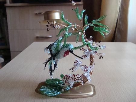 Объемная колибри из бисера