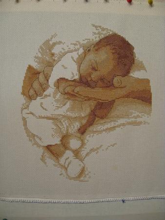 Вышивка крестом-спящий малыш