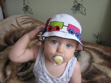 Вязаная панамка для малыша