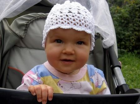 Ажурная шапочка для девочки (с