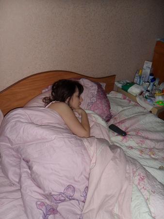 она вообще подглядел за спящей невестой после