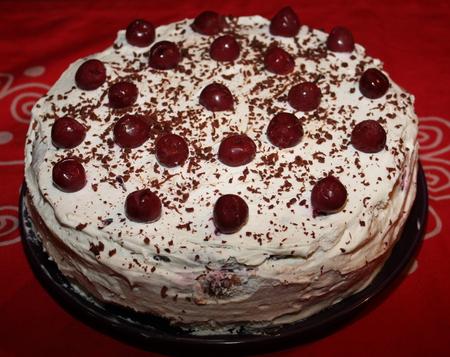 фото бисквитный торт с вишней