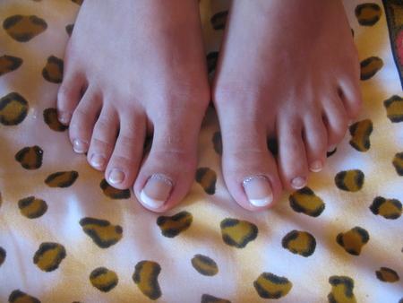Как привести ногти на ногах в порядок в домашних условиях