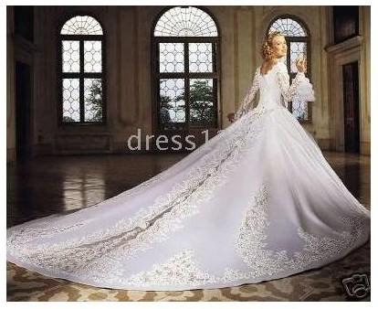 Нашла на одном из китайских сайтов очень большой выбор свадебных платьев недорого (доставка в Россию бесплатная
