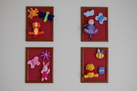 Картины повесила в детской