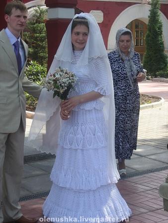 Теперь даже свадебное платье крючком актуально.  Уже думаю , пора связываться с салонами, брать заказы.