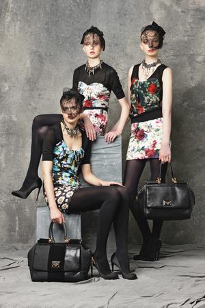 Дольче габбана схема вязания Серый пуловер со снудом от Dolce Gabbana