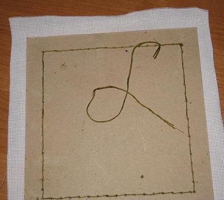 Как вставить вышивку в готовую рамку 4