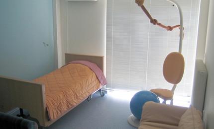 Синяя комната (там тоже есть мини-бассейн - синего цвета)